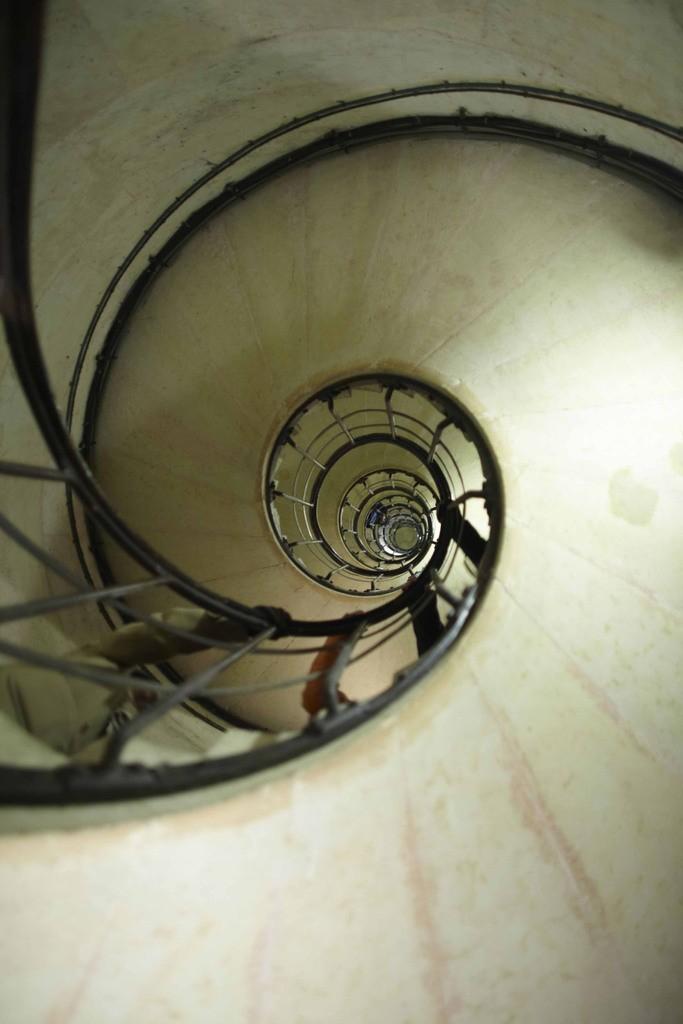 Spirale nach oben, Abwärtsspirale, Aufwärtsspirale. Wie der Teufelskreis beim Grübeln
